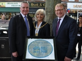 Pitshanger Plaque unveiled for Great British High Street awards